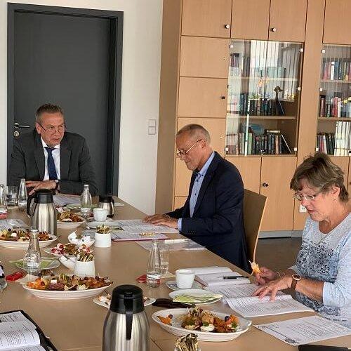 Vorstand Frau Kehrberg Herr Schulz