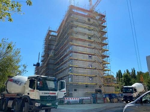 Baufortschritt 4 letzter Betonmischer